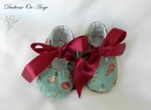 DOAC 32 c chaussons bébé, baby shoes